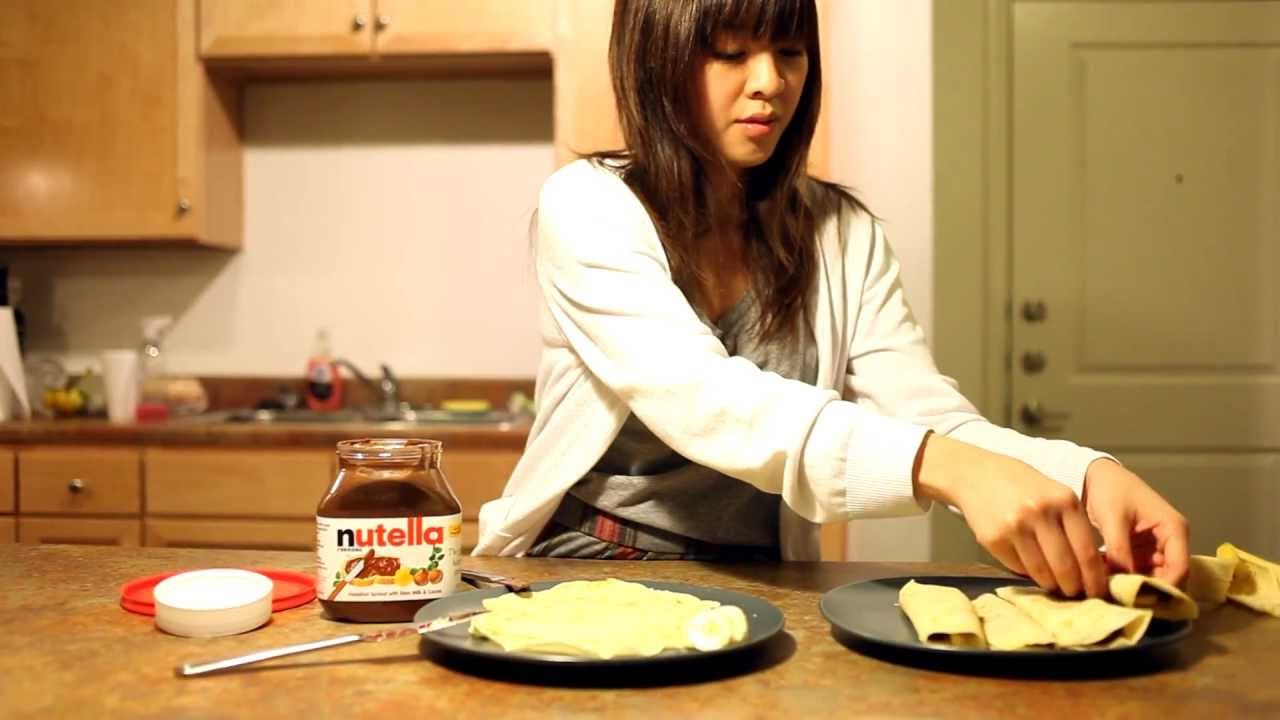 How To Make Crepes Very Easy Crepe Recipe With Nutella And Bananas Youtube