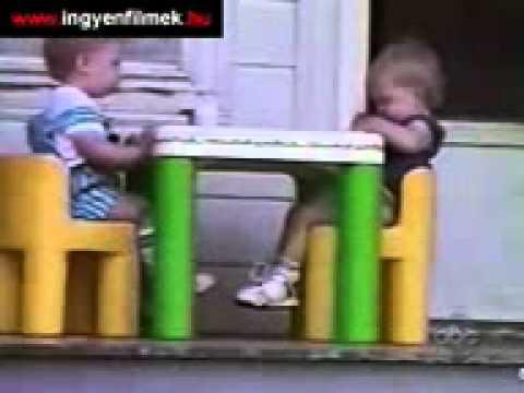 YouTube - مواقف اطفال.3gp