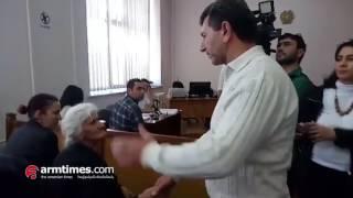 Վոլոդյա Ավետիսյանը հայտնվել է Արարատ Խանդոյանի դատական նիստին  նրան ծափերով են դիմավորել
