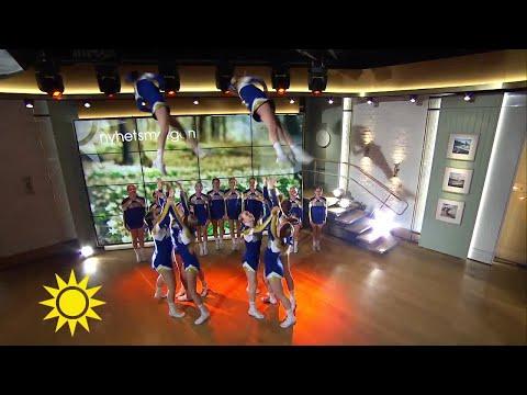 Svenska juniorlandslaget i cheerleading tar höjd för guld i USA - Nyhetsmorgon (TV4)