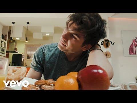 DVICIO - Qué tienes tú ft Jesús / REIK & Mau y Ricky (Vid