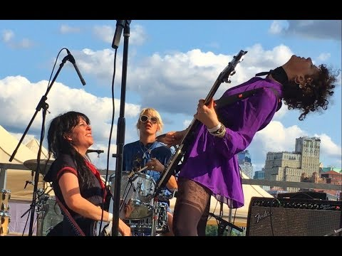Death Valley Girls at South Street Seaport, New York 9/10/2017