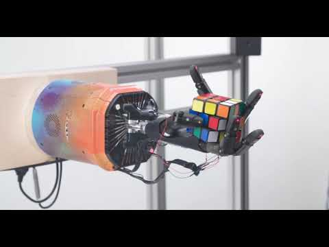 Watch: OpenAI enabled a one-handed robot to solve a Rubik's Cube