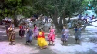 Download நீ பொட்டு வெச்ச தங்க குடம் - Nee Pottu Vacha - Ponmana Chelvan MP3 song and Music Video