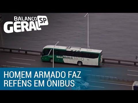 Homem armado faz reféns dentro de ônibus na Ponte Rio-Niterói
