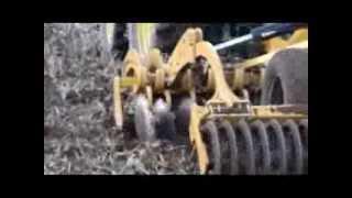 Agrisem Disc-O-Mulch w pracy - agregat talerzowy ścierniskowy