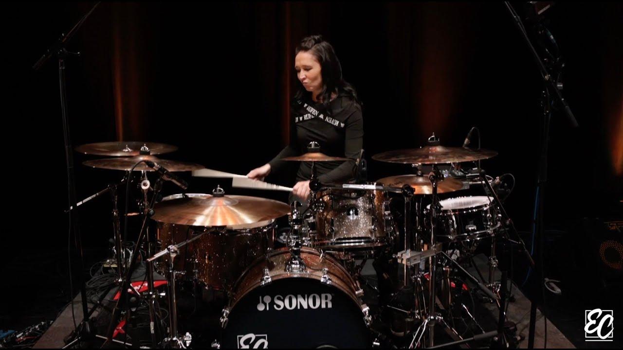 Emmanuelle Caplette Plays Stevie Wonder (Master Blaster & Higher Ground)