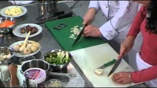 Брюссельская капуста тушеная на масле с пюре из петрушки и запеченым топинамбуром