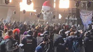 На Западе готовятся к новым вспышкам COVID 19 после бурного празднования Нового года