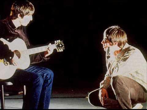 Oasis - Live Forever - Demo Version (Liam Gallagher on vocals)