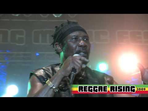 "Toots and the Maytals ""Monkey Man"" at Reggae Rising 2009"
