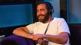 Howard Stern grills Jake Gyllenhaal on...