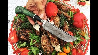 Люля-кебаб. Рубим фарш топориками из дамасской стали. Обзор Узбекского ножа из авторского ламината.