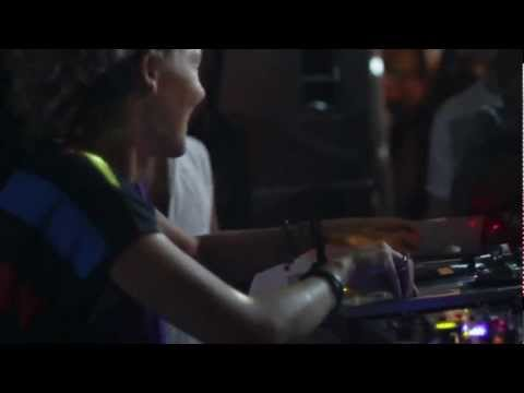 tINI - tINI & The Gang - BPM 2013 - WAY OF ACTING