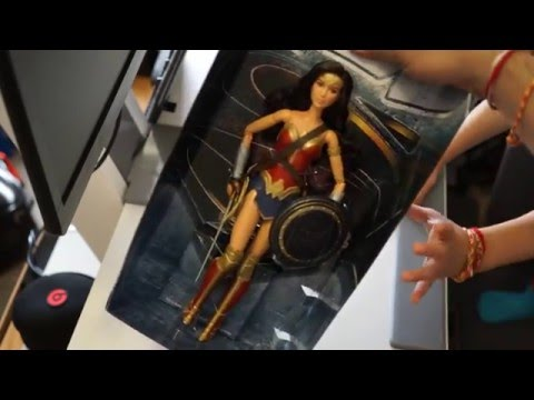 Collectables Unboxing | Wonder Woman | Barbie Batman v Superman