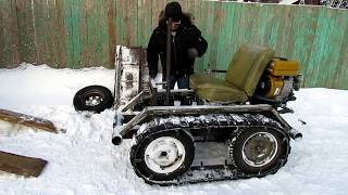 Минитрактор из мотоблока Нева  Чистим снег на даче.  Homemade mini dozer