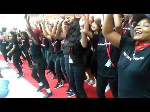 H&M personnel baptise store with dance routine