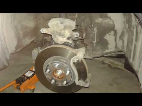Mazda 6 - замена передних колодок