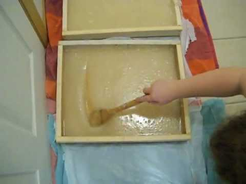 Beekeeping: How to make Sugar Boards for Honey Bees