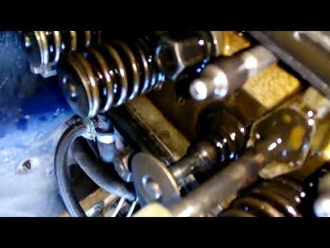 Заклинил клапан ЗМЗ 402, двигатель чихает, клинит движок