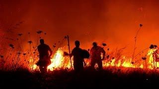 Impactantes imágenes del incendio en la ciudad chilena de Penco