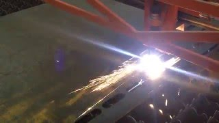 Работа плазмореза(Как работает плазморез, коротенькое видео!, 2016-05-06T05:04:30.000Z)