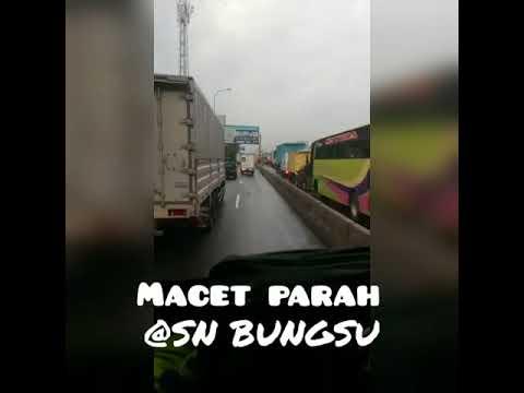 SNFC ON CAMERA - Kemacetan parah tol cikampek 7 maret 2018