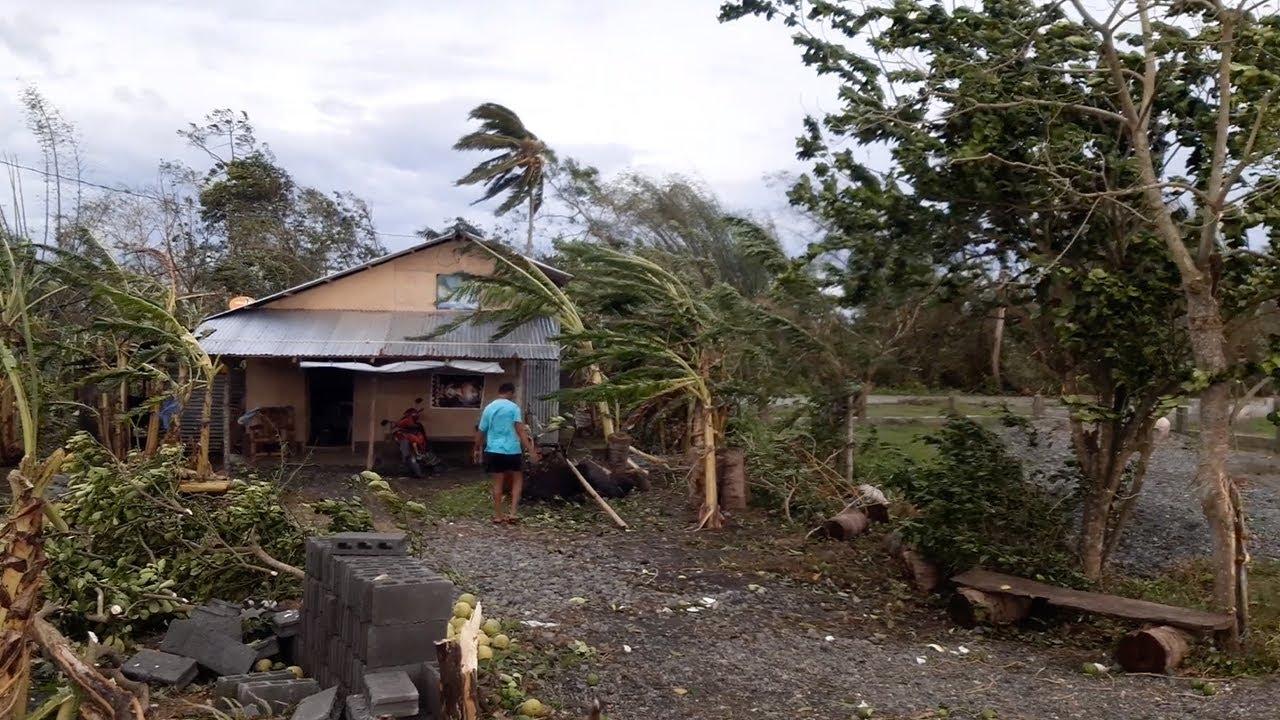 הרס מטורף בפיליפינים: טייפון קמורי סחף את המדינה ברוחות של עד 155 ק