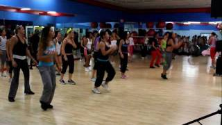 "zumba com carolina - ""Shake Senora"" pitbull featuring t-pain & sean paul"