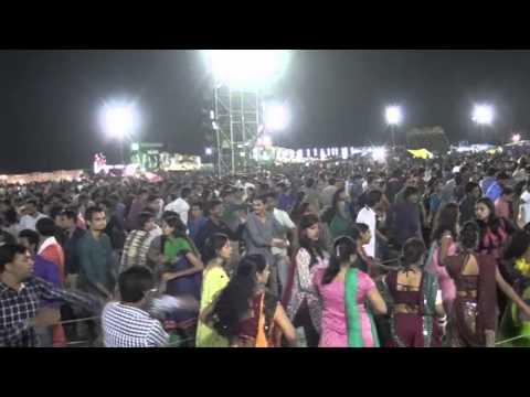 Aishwarya Majmudar's Garba in Ankleshwar (Day 1)