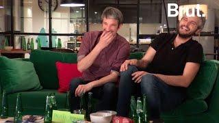 Pierre-Emmanuel Barré et Guillaume Meurice regardent le débat
