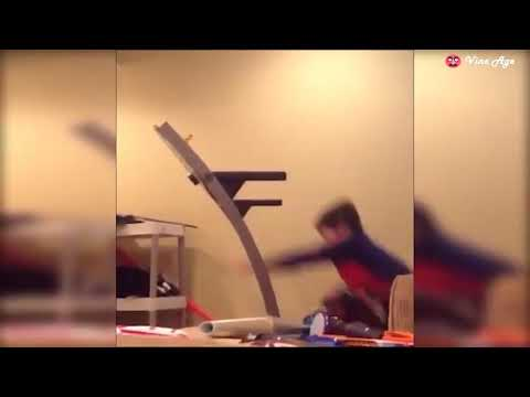 try-not-to-laugh-watching-funny-baby-video-compilation-octobre-2017-pt.6-vin