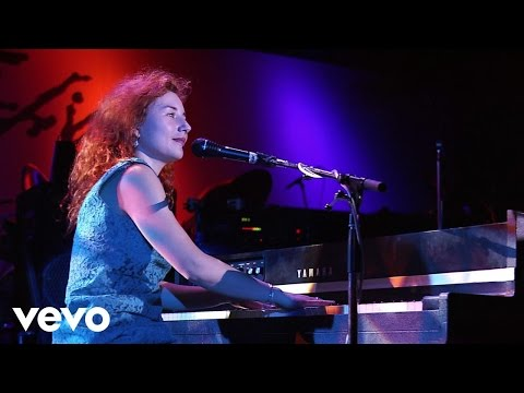 Смотреть клип Tori Amos - Winter