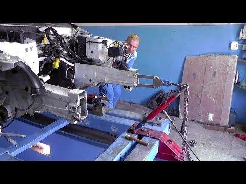 видео: Mercedes-Benz GLK.  Вытяжка лонжеронов. ДВУХ!  Рихтовка лонжеронов специальным инструментом