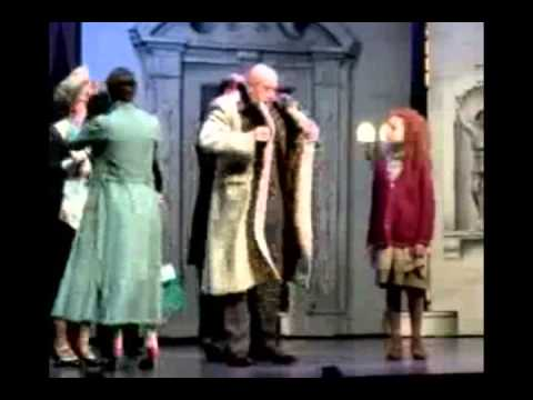 Anthony Warlow takes us to the movies! (Daddy Warbucks)