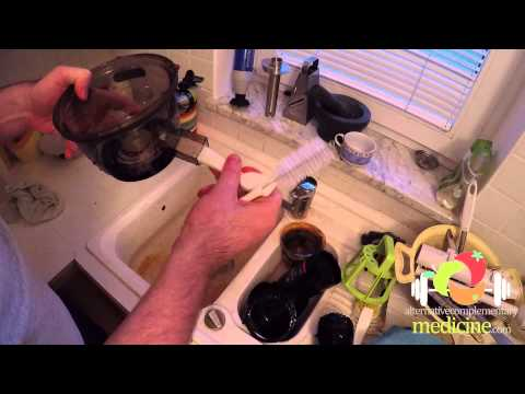 Kuvings Whole Slow Juicer Cleaning   Very Fast