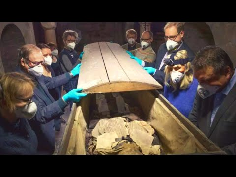 When Scientists Saw Inside This 350 Year Old Mummy's Coffin, They Discovered That He Wasn't Alone
