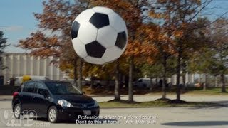 6-Foot Giant Inflatable Soccer Ball(Buy here: http://www.vat19.com/dvds/giant-inflatable-soccer-ball.cfm?adid=youtube Please subscribe to our channel: http://www.youtube.com/user/vat19com ..., 2012-10-27T02:10:37.000Z)