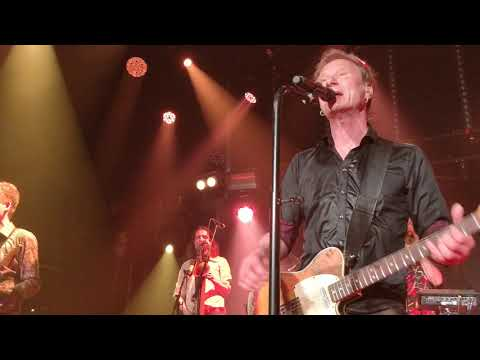 Ismo Alanko - Rappiolla ( Metallica : Enter Sandman intro)