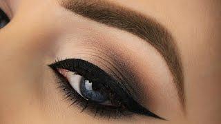 Classic Cool Toned Smokey Eye | Kat Von D Shade + Light