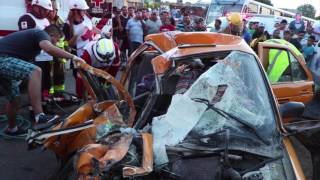 Taxista muere prensado en accidente