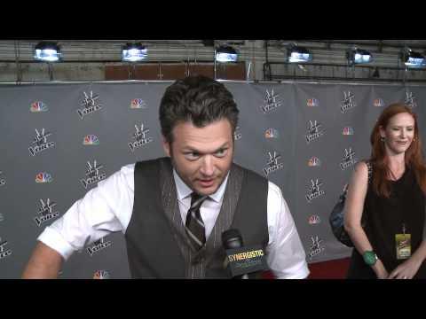 Blake Shelton sings Lady Marmalade & SMOKE WHAT, BLAKE ?!?!