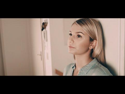 Nicole Cross  Worth The Wait Acoustic Version   Lyric