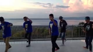 Stop dancer bau bau