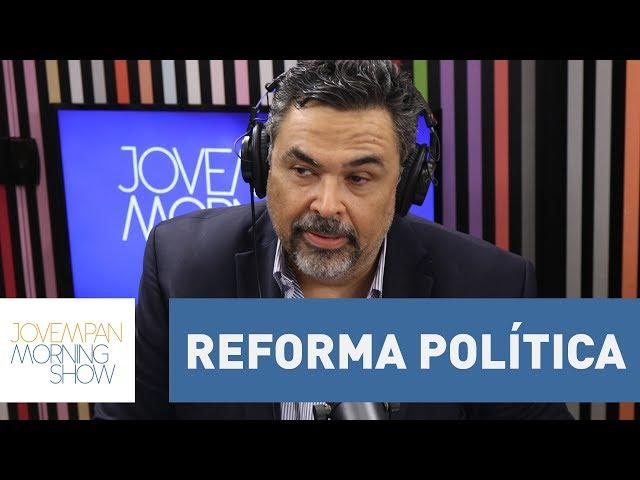 """""""A reforma política será para manter aqueles que convém aos políticos"""", afirma Roberto Livianu"""