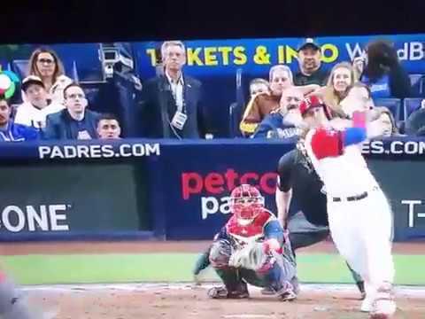 Adam Jones makes amazing catch to rob Manny Machado of a homerun