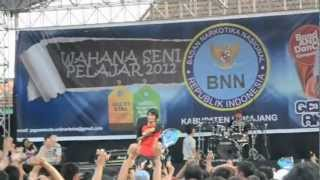 Flanella - Hal Tersulit (Live @SMKN 2 Lumajang)