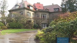 Joe V visits reopened Pittock Mansion