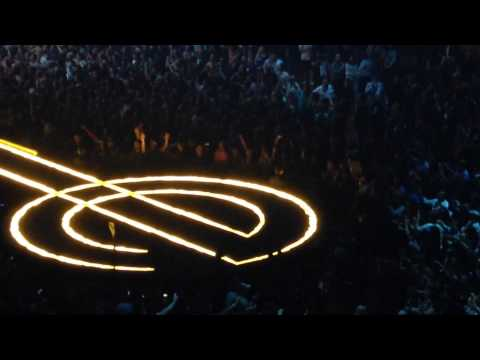 """U2-The Forum """"Two Hearts Beat as One"""" """"War"""" 05.27.15"""