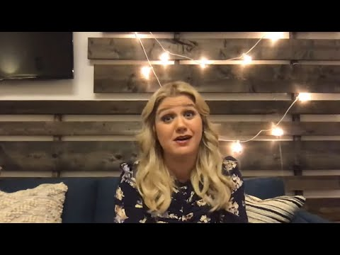 Sylvia Chacon - Kelly Clarkson Goes Off On the State of Country Music
